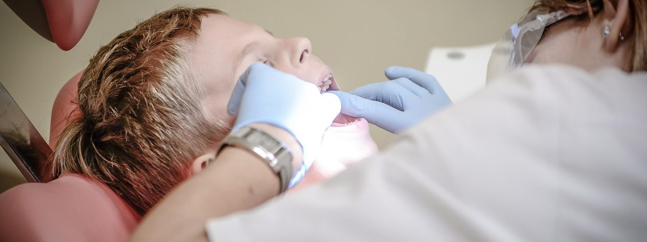 UK Hemophilia Care Teams Lack Knowledge on Bleeding Risks in Dental Procedures, Study Suggests